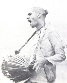 Srila Prabhupada Chant Holy Name