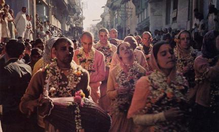 American Devotees Chant Holyname in Surat