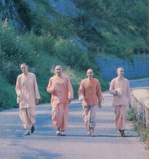 Spreading the Holy Life Around by Yogesvara Dasa