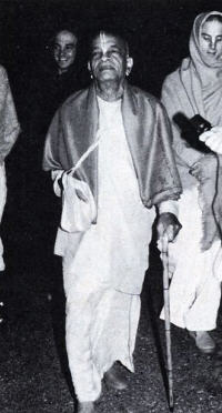 Prabhupada with Devotees