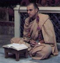 Jayapataka Swami Speaks to Residents of Mayapur