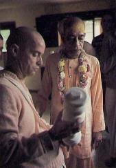 Prabhupada with Kirtananand Swami
