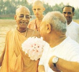 Prabhupada Talking with Devotee