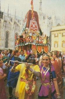 Devotees as Radha Krishna