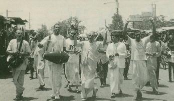 Bhakti Abhay Carana Swami leads in Kirtan