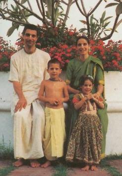 Guru Sakti Dasa and his Family