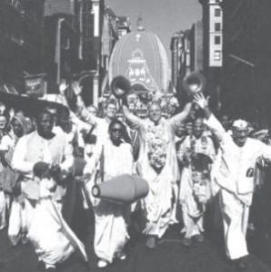 Jayapataka Swami Kirtan in Jagannath Rathyatra