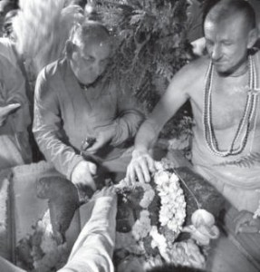 Lord Siva Receive Abhiseka From The Head Priests