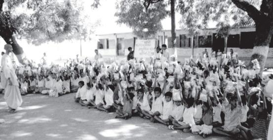 Temple Vice President Savyasaci Dasa Speak To Children