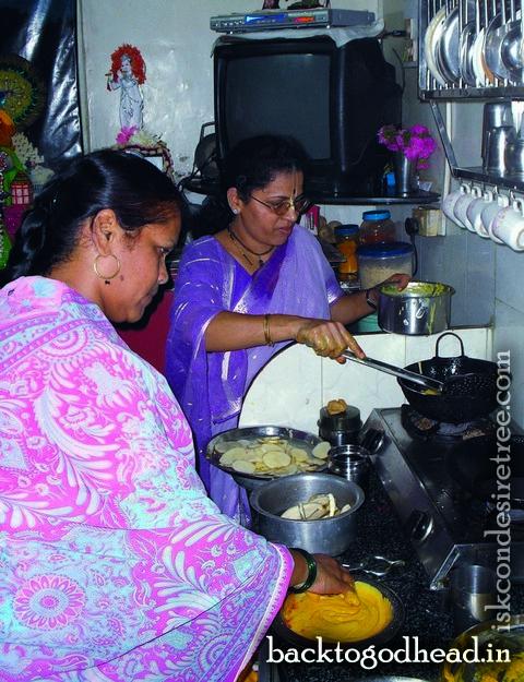 deities kitchen - Back To Godhead