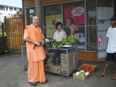 Bhaktimarga Swami Walk - Back To Godhead