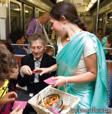 Distributing prasad - Back To Godhead