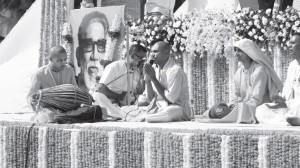 Bal Thackeray Mourned by Millions by Giriraja Swami